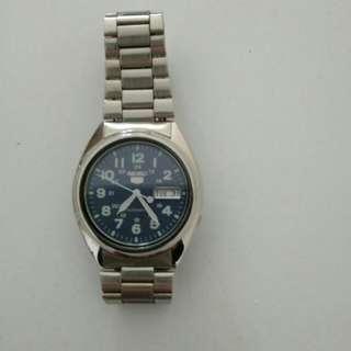 (朋友寄賣) 減價9成新 Seiko 男裝精工錶 <藍色底>