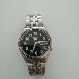 (朋友寄賣) 減價9成新 Seiko 男裝精工錶 <黑色底>