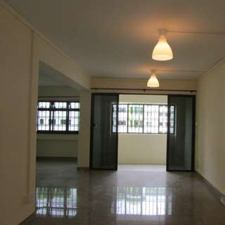 Jurong West Spacious 5 room HDB for sale!