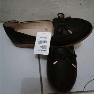 Flatshoes Hitam Nevada