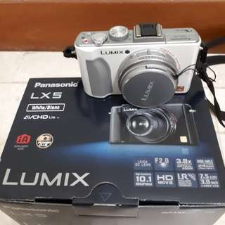 Panasonic Lumix LX 5 Digital Camera