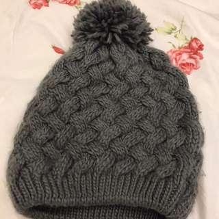 深灰針織內刷絨毛毛線帽
