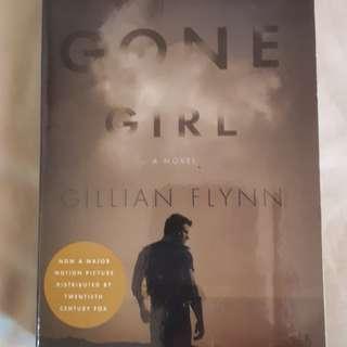 Gone Girl by Gillian Flynn (pre-loved)