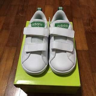 Adidas Neo Shoes White UK7 brand new