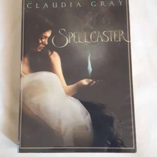 Spellcaster by Claudia Gray (pre-loved)