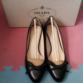 Prada 女裝鞋,37.5碼,原價3000,購自英國Outlet, 平售$700