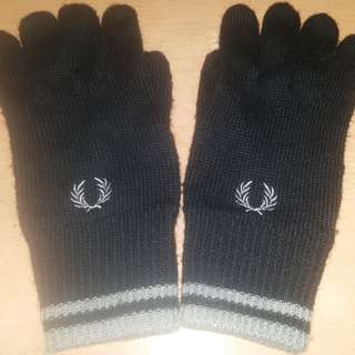 Fred Perry Black Gloves