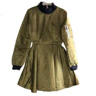 👗韓牌 Salad Bowls army green quilted dress 軍綠色間棉連身裙
