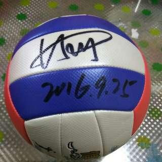中國女排球員,林莉親筆簽名排球