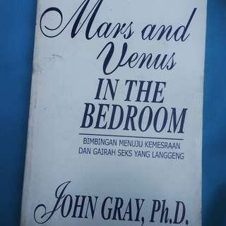 Buku mars and Venus in the bedroom. 17plus.