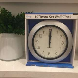 [Brand New] Insta-Set Wall Clock