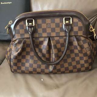 LV trevi pm bag