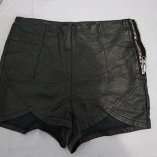 Hotpants Kulit