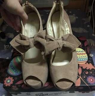 全新淺啡斯文優雅蝴蝶結高踭鞋37碼(跟高13cm.防水台高4.1cm)