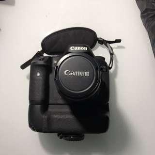 Canon EOS 7D + standing + batter grip BG-E7