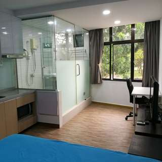 Fully furnished East Coast studio with free wifi and parking