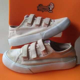 SKONO Norway Sneakers SIZE 37