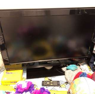 "Philips 32"" TV with remote, No Smart TV function. No IDTV function."