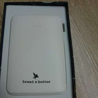 Power bank - bread n butter