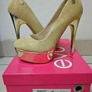 Everbest Tsivya gold heels
