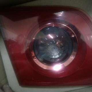 馬三原廠後燈【行李箱蓋上面的左右燈。恕不拆賣】