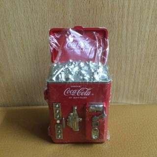 全新 絕版 懷舊 Coca Cola 可口可樂 迷你 金屬 汽水機 售賣機 雪櫃 擺設1