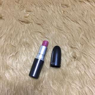 MAC Captive Lipstick - Satin
