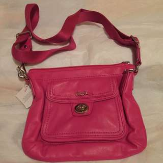 Coach 桃紅色小手袋