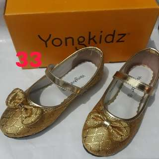sepatu anak yongkidz balerina emas kode 1470003