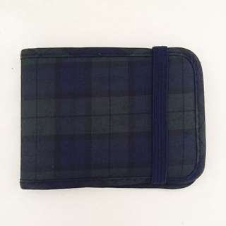 Plain simple checkered name credit card case holder