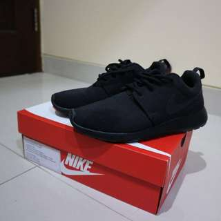 Original Nike Roshe Shoes