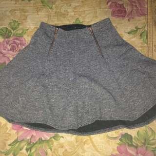 Skirt / Palda