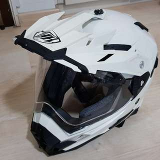 Full Face Helmet - Large eith sports visor