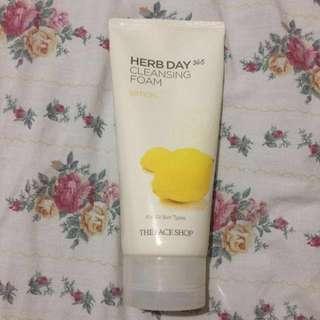 Herb Day 365 Cleansing Foam in Lemon