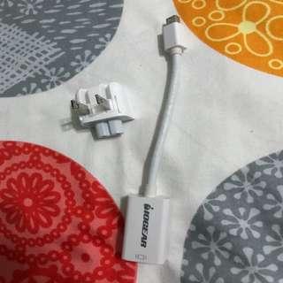 Apple charging and VGA adaptor plugs x2