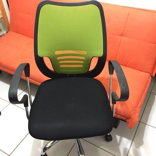 氣壓電腦椅