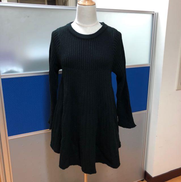 黑色素面針織圓領長袖洋裝