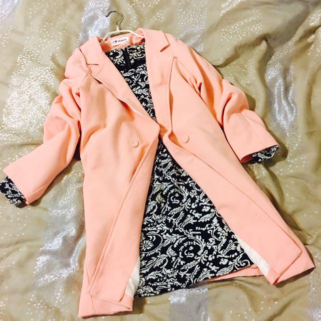 💕粉色大衣送有污洋裝💕