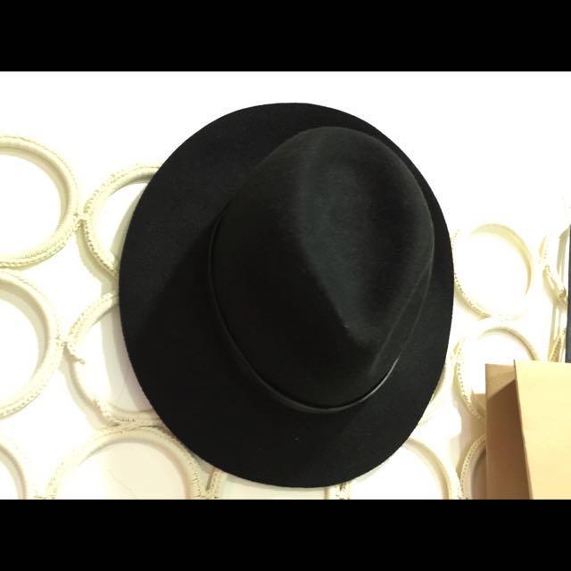 📢📢降價降價 🔛時髦  韓系圓型黑色寬帽  (含運)