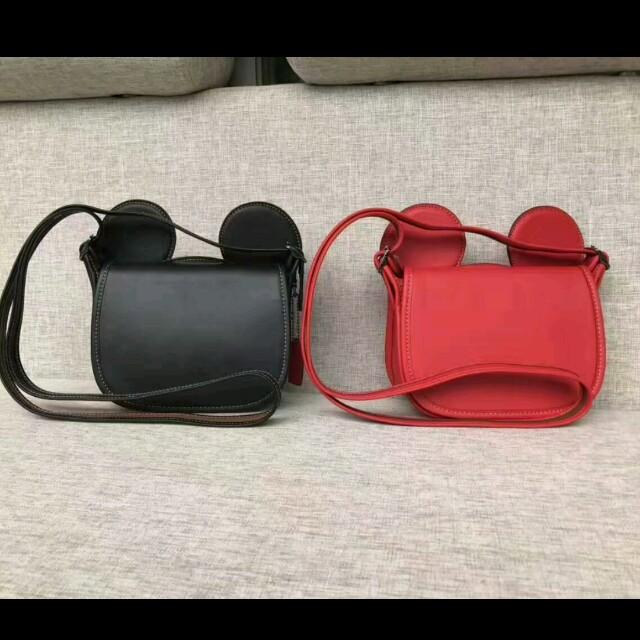 全新 coach Disney Mickey 限量款大耳朵斜背包