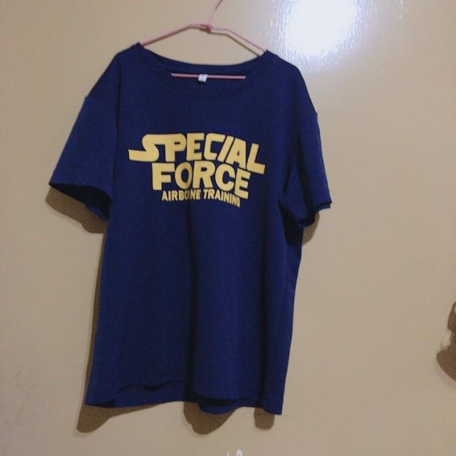 藍色 T恤