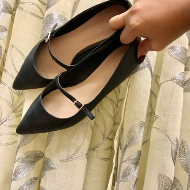 Aldo pointed flats with gold detail