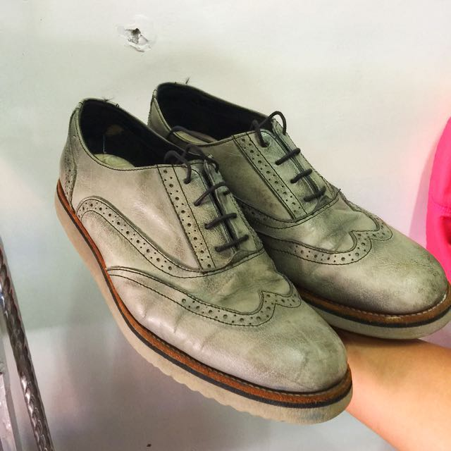 authentic Clarks Brogues Leather shoes