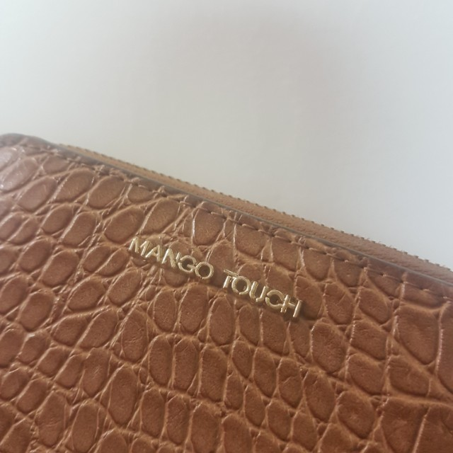 AUTHENTIC Mango Touch wallet