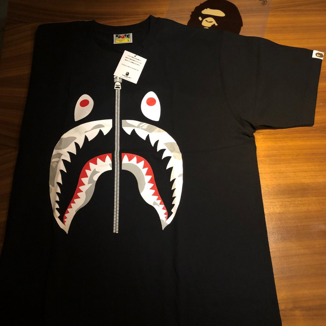 79c0f766 BAPE SHARK TEE T SHIRT BLACK Authentic size L, Luxury, Apparel on Carousell