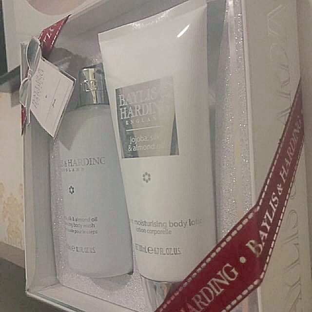Baylis&Harding body wash and body lotion