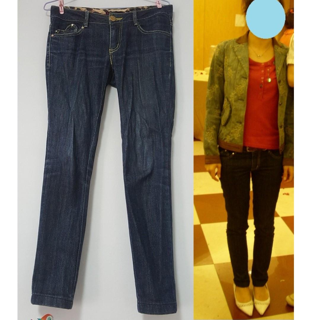 brown sugar(knightsbridge副牌)愛心口袋.閃亮金蔥.顯瘦深藍色小直筒牛仔褲