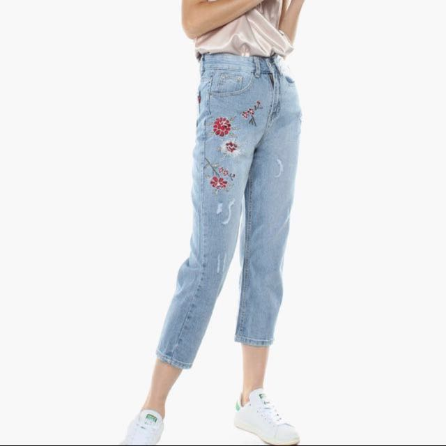 897cb0f399 Floral embroidered mom jeans, Women's Fashion, Clothes, Pants, Jeans &  Shorts on Carousell