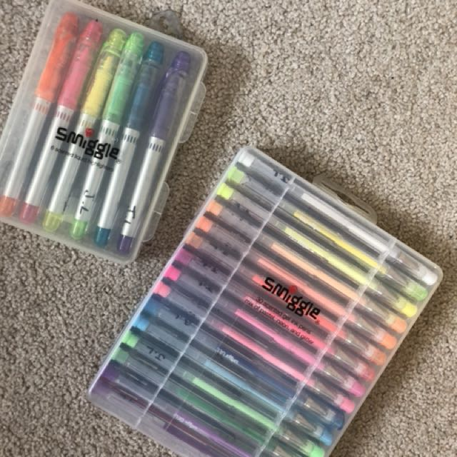 Gel pen and highlighter