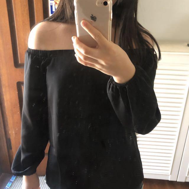 GLASSONS off shoulder black blouse
